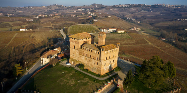 Visit of the castle of Grinzane Cavour and wine tasting