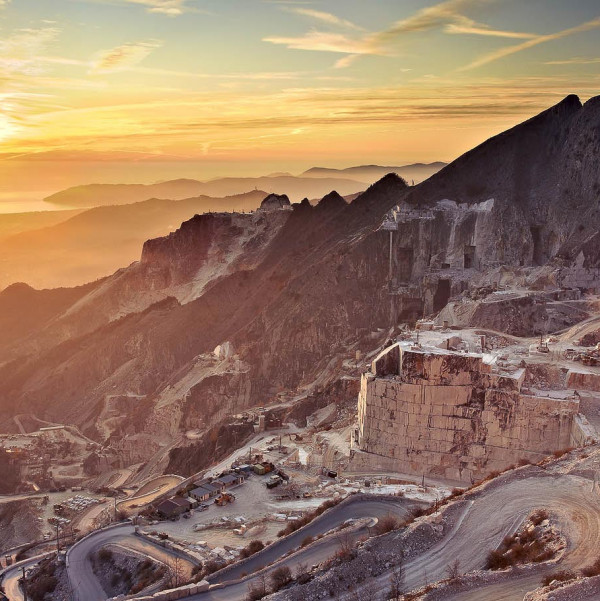 4×4 Guided Tours of Carrara marble quarries