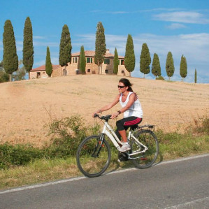 Bike experience in Val d' Orcia and tasting lunch