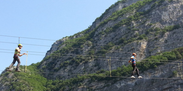 Exciting air path on Tibetan and Thai bridges or on Zip Line