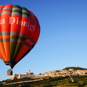 Balloon flight and Umbria style breakfast in wine cellar