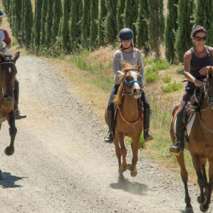 Horse riding in Maremma for 1 h, half day or full day with lunch