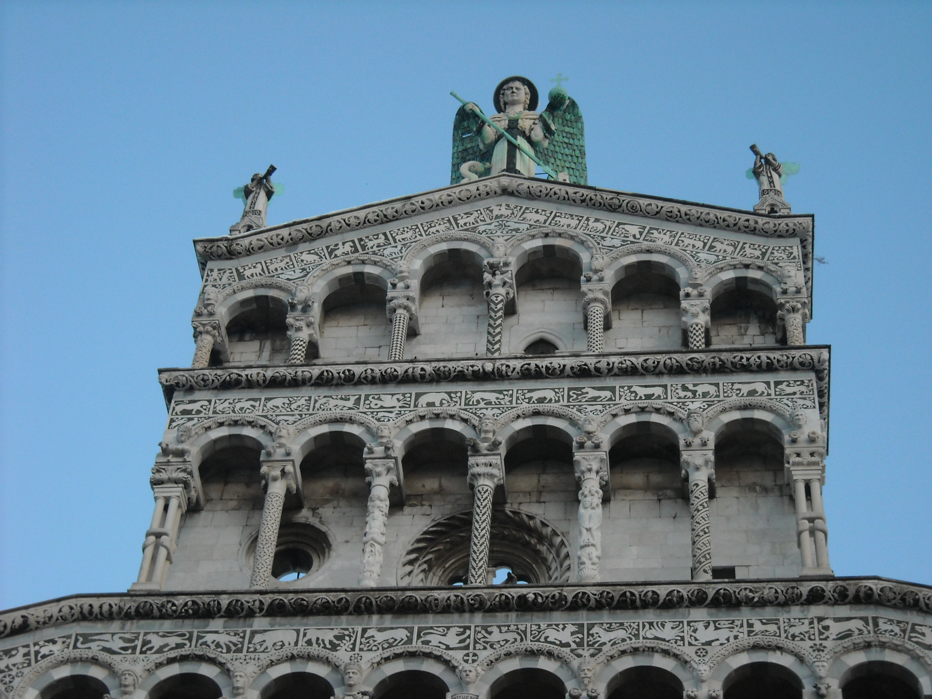 lucca dating site Lucca a street, pelleria a number, 25 (venticinque) a building, dating back to 1630 25 (venticinque) is the number to remember for your stay in lucca eight.