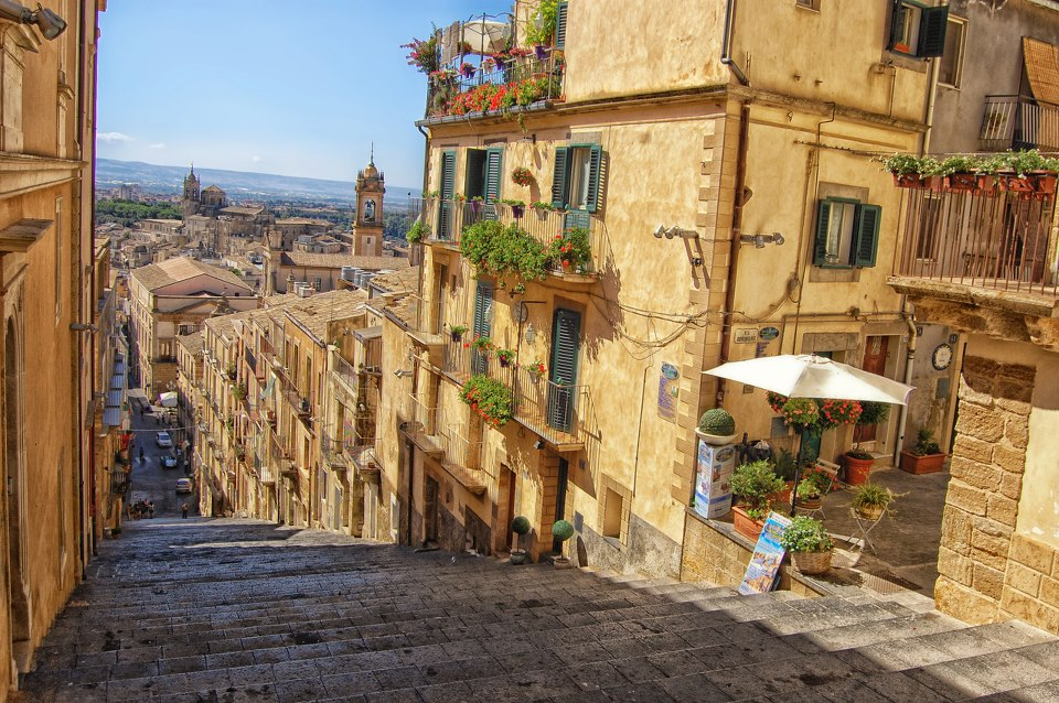 Visit Of Caltagirone Borghi Italia Tour Network