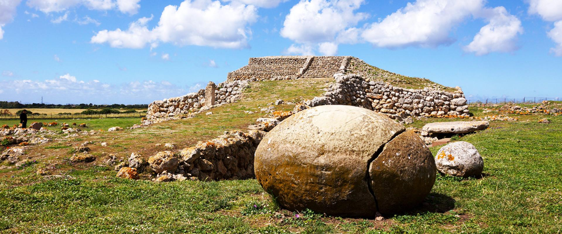 Visit of Anghelo Ruju ruins