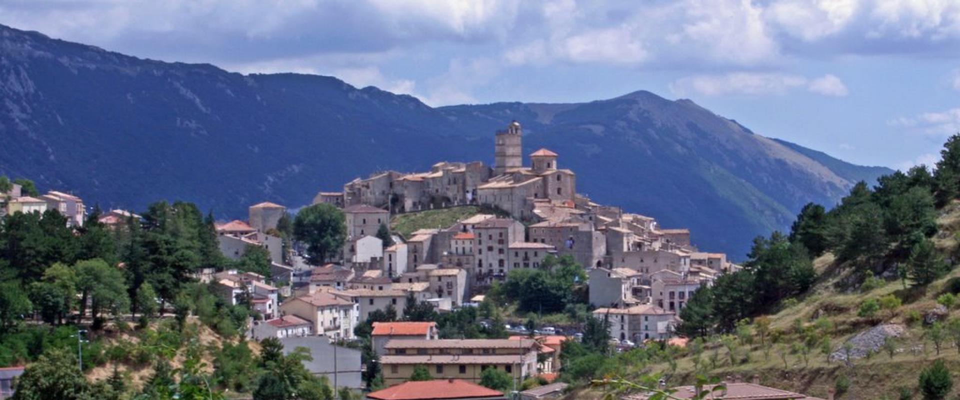 Visit of Castel del Monte Abruzzo