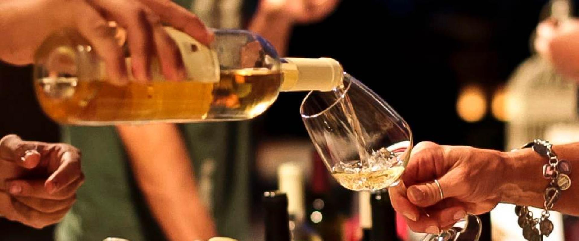 Wine tasting in Sarchia