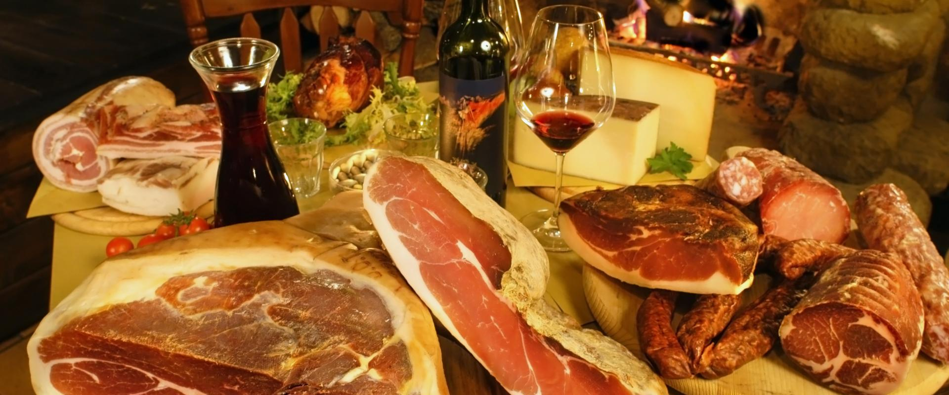 Visit of a ham factory and tasting of San Daniele