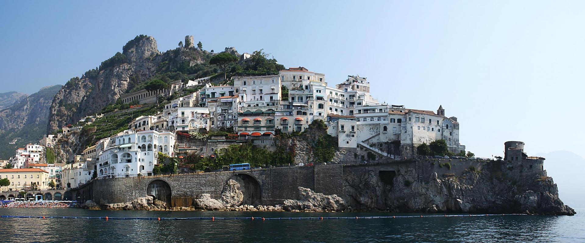 Tour Amalfi and Cilento Coast shore excursion
