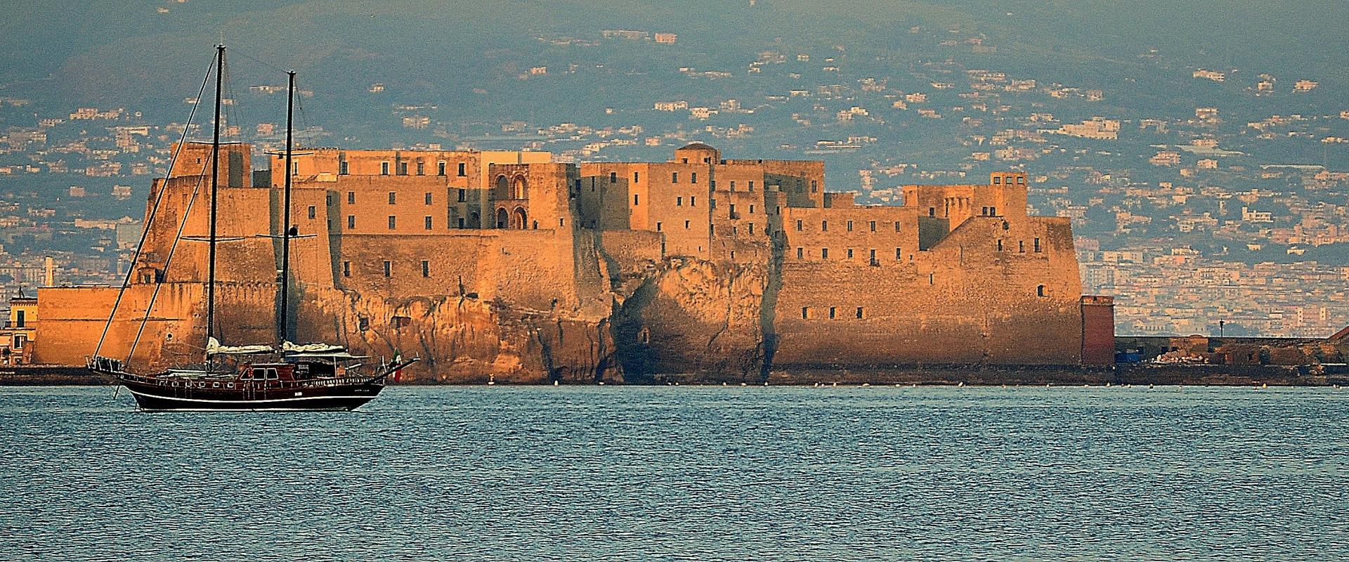 Visit of Castle dell' Ovo in Naples and game experience