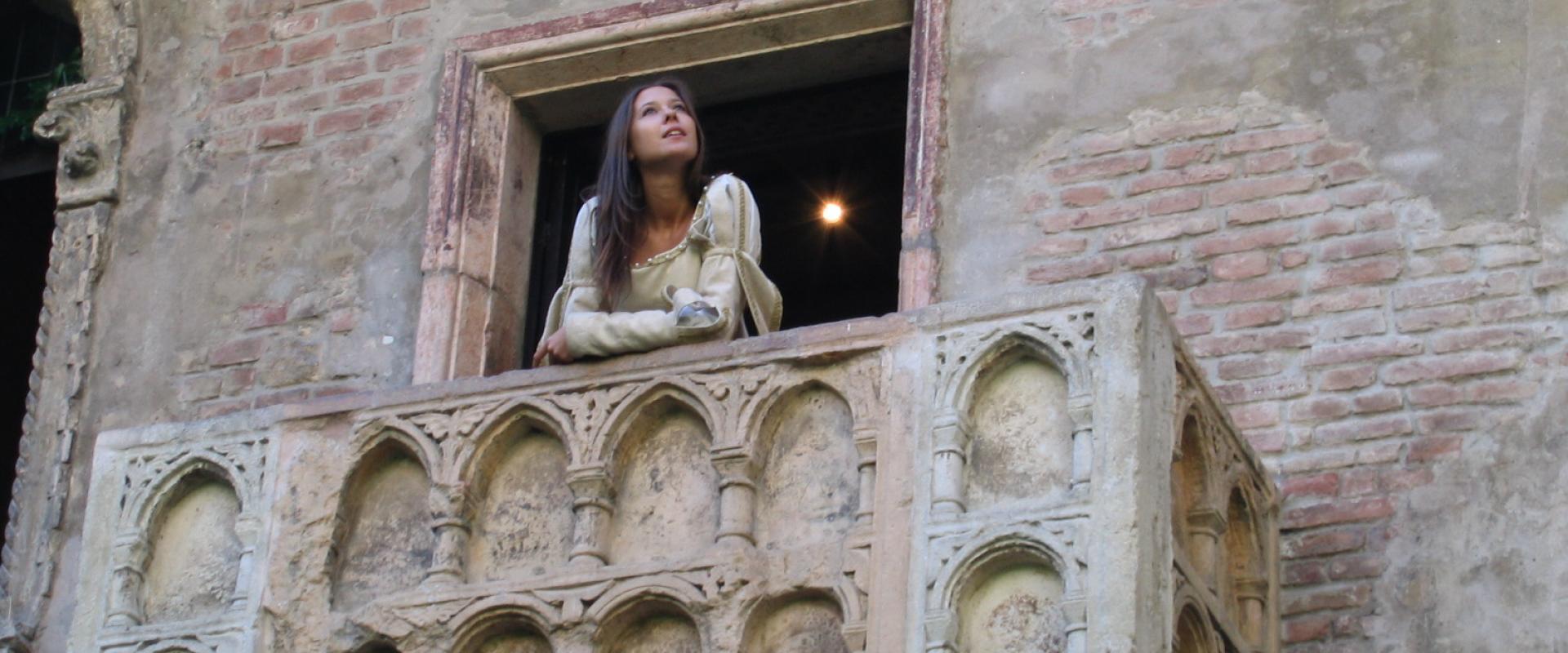 Lovers tour of Verona