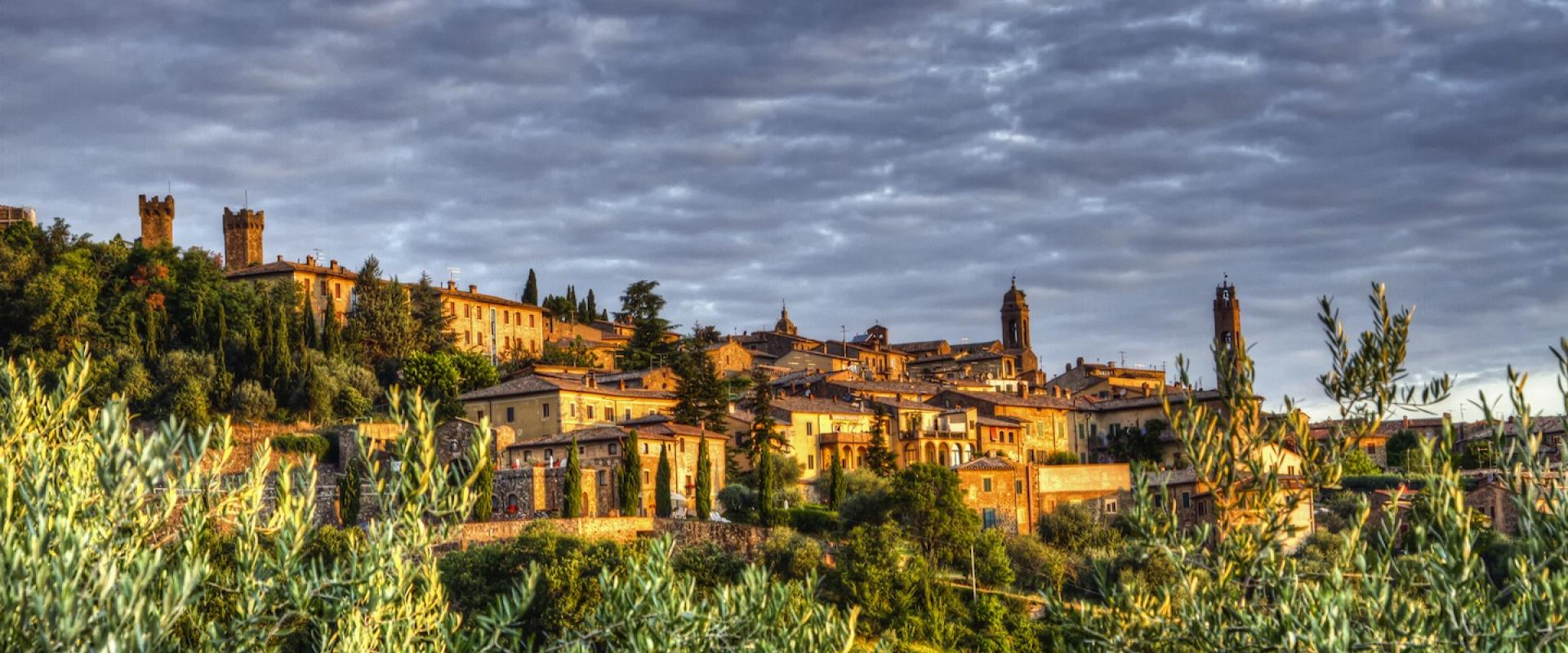 Visit of Montalcino Tuscany, Brunello's wine town!