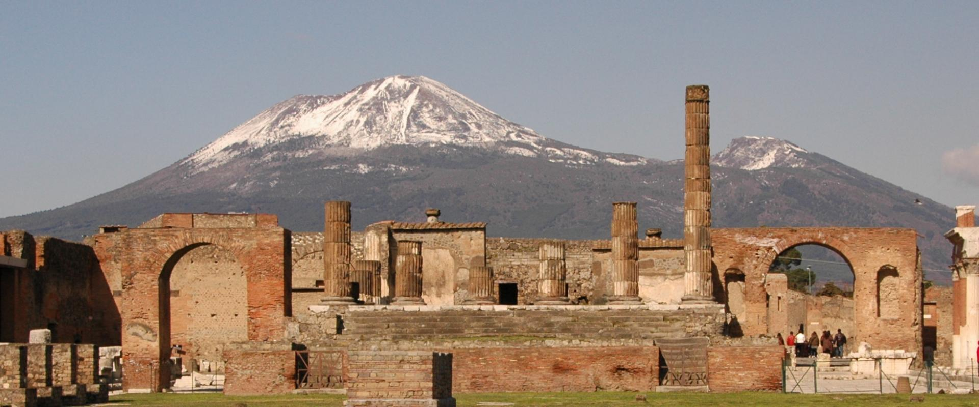 Visit of charming Pompei and excursion on wonderful ...