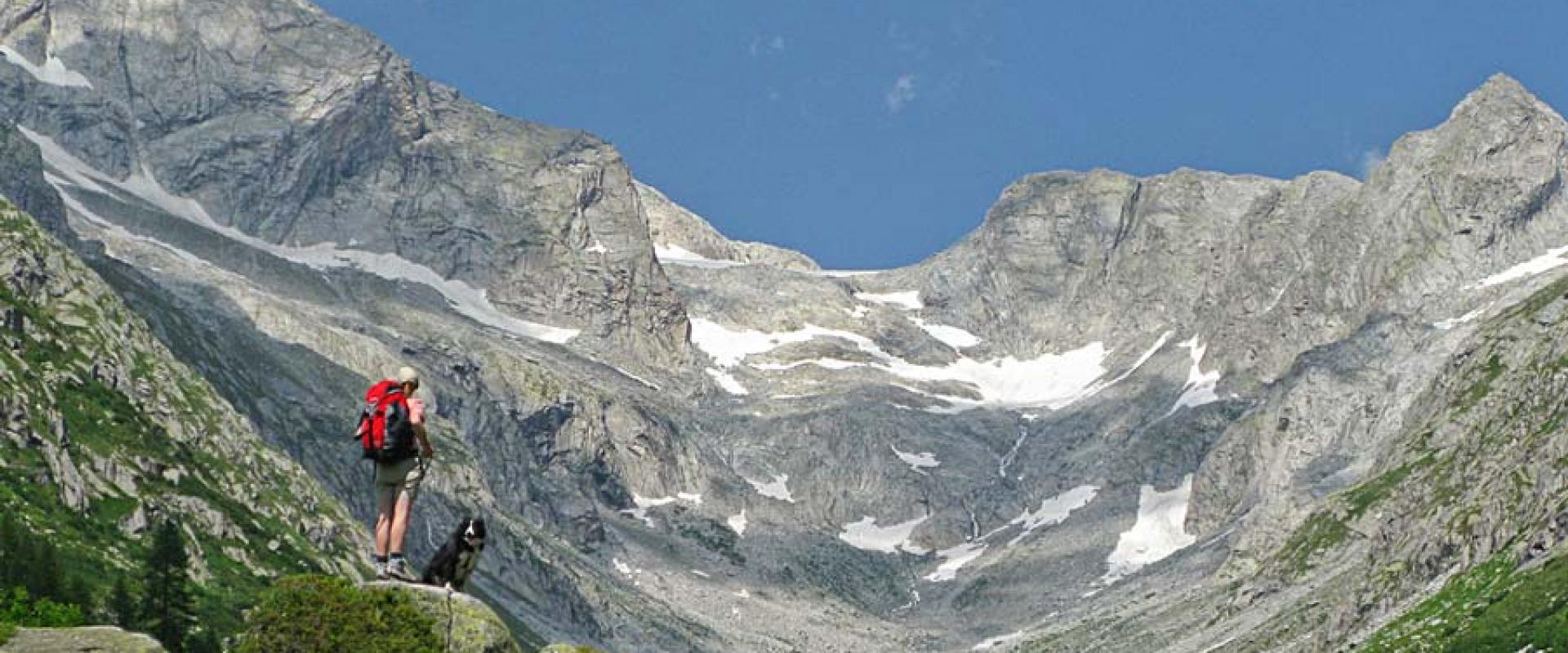 Trekking in Val Genova