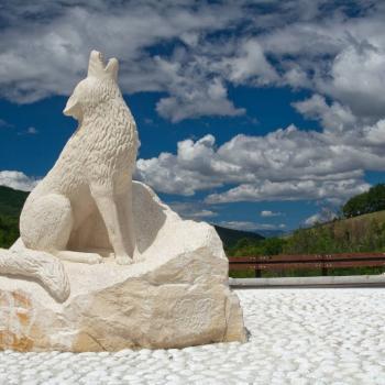 Statua del lupo a Pretoro