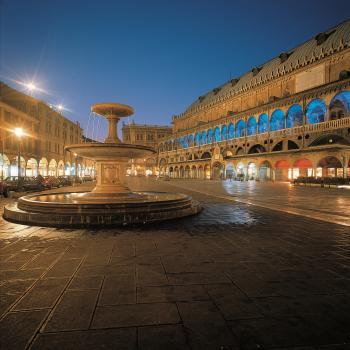 Visit the market of Padua